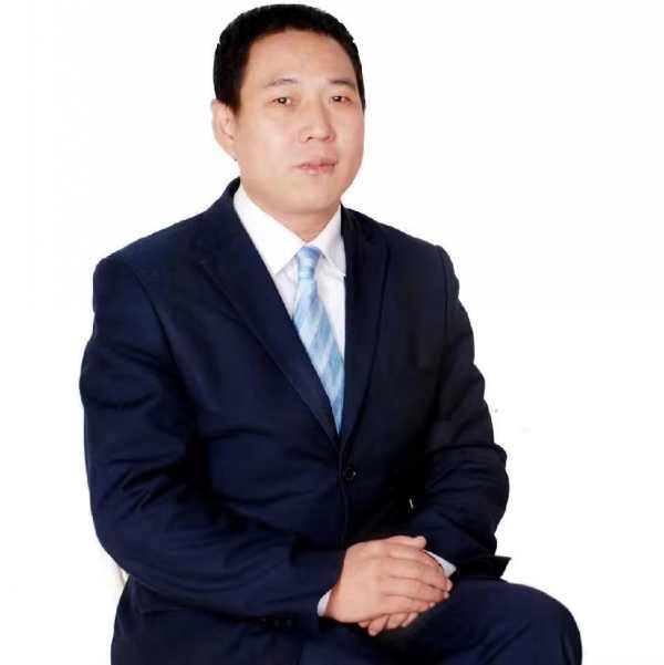 人物图片南康家具产业作家第一人赖华明
